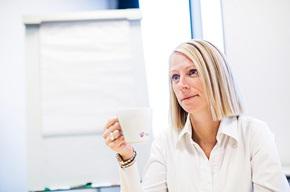 """""""Jos yritys saa paljon kysymyksiä laskun sisällöstä, sen kannattaa Eye tracking  -tutkimuksen avulla kartoittaa, mitä asioita asiakkaat laskussa katsovat"""", Jane Poulsen toteaa."""